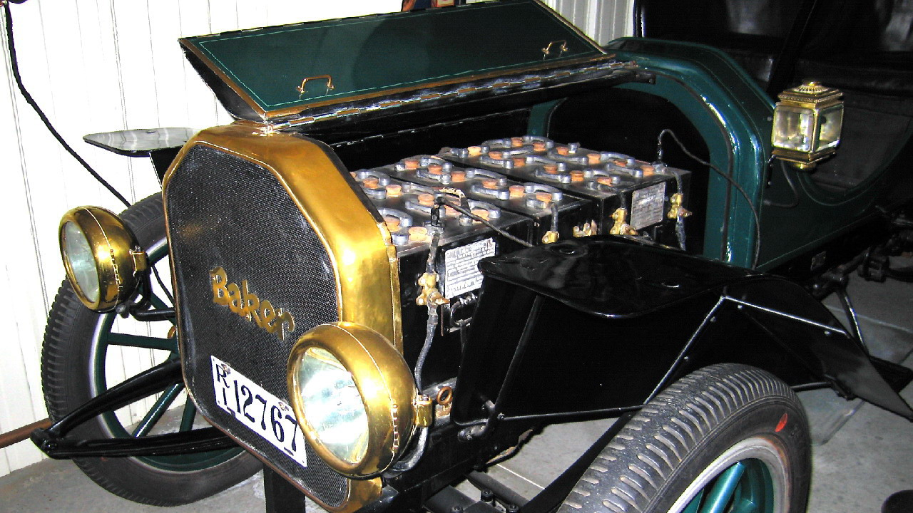 Baker Electric M chassis Roadster Wells 1908 Baker Electric (my photo)  (Both cars have same shape front end, headlights and sidelights plus  steering wheel, ...